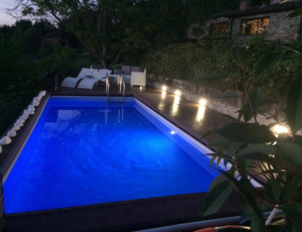 fienile indipendente piscina notte